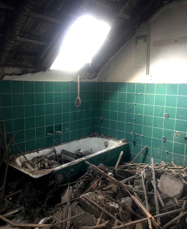 Badewanne und Schrott-3